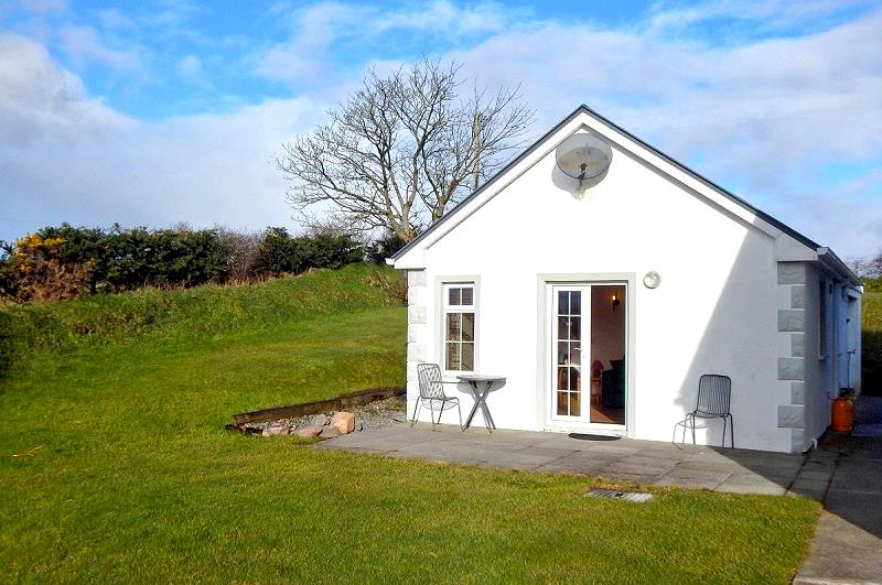 romantic cottages a cottage for honeymoon magerin gorgeous onefabday ireland in temple com